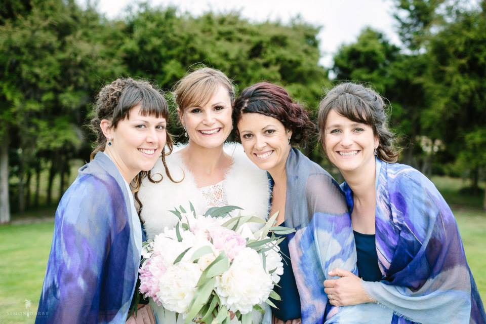 Fantail_Weddings_Brides_help_with-Bridesmaids